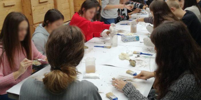 Μαθητές από την Ιταλία, Ρουμανία, Τουρκία και το Πειραματικό ΓΕΛ Μυτιλήνης   γνώρισαν το Απολιθωμένο Δάσος Λέσβου και συμμετείχαν στα εκπαιδευτικά προγράμματα του Μουσείου